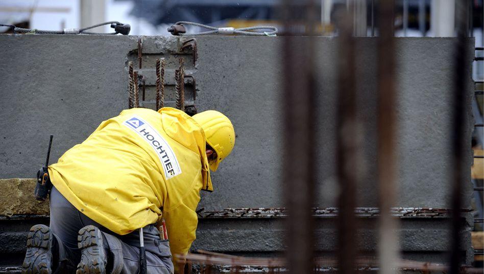Hochtief-Mitarbeiter in Düsseldorf: Katar steigt als neuer Großaktionär ein
