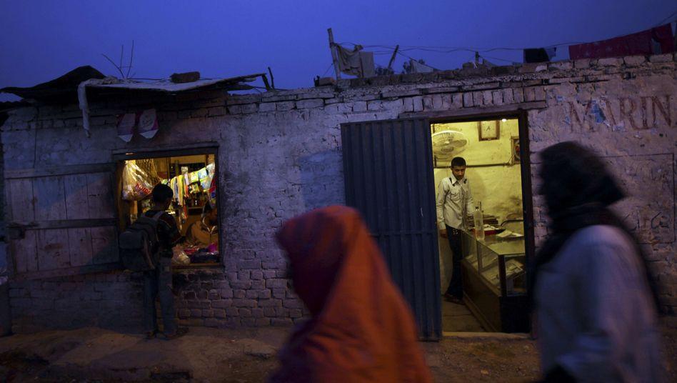 Pakistani women on an evening walk in Islamabad.