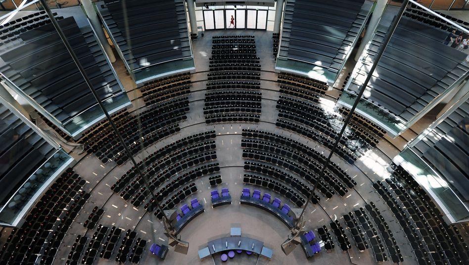 """Plenarsaal des Bundestags vor der Wahl: """"Im Leben gibt es unglaubliche Überraschungen"""""""