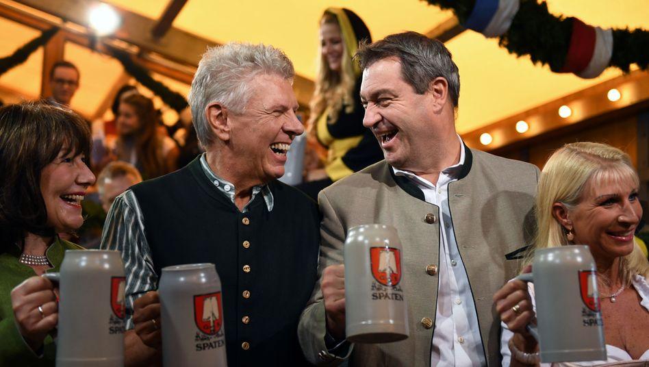 Münchner Oberbürgermeister Dieter Reiter, Ministerpräsident Markus Söder auf dem Oktoberfest