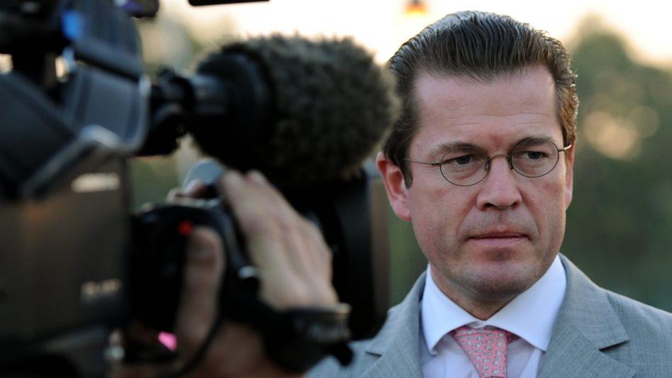Ex-Minister zu Guttenberg: Warum tut er sich das an?