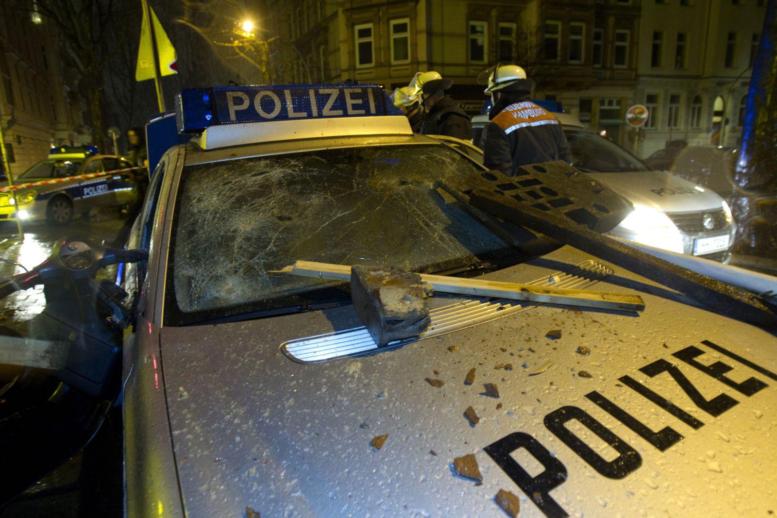 NICHT VERWENDEN Gewalt gegen Polizei