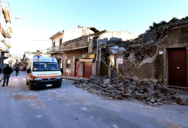 Zerstörtes Haus in der Ortschaft Fleri
