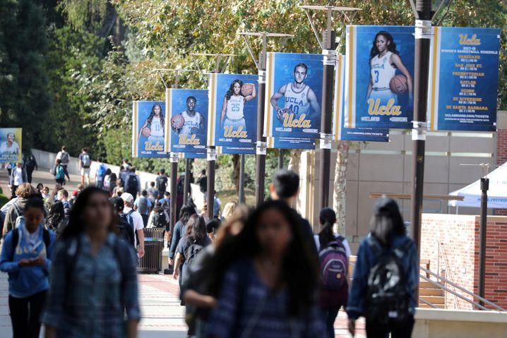 Studenten auf dem Campus der UCLA in Kalifornien