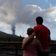 Anwohner retten Hab und Gut vor der Lava