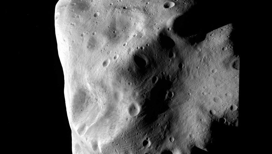 Asteroid Lutetia: Rund alle 2000 Jahre schlägt ein größerer Brocken auf die Erde ein.