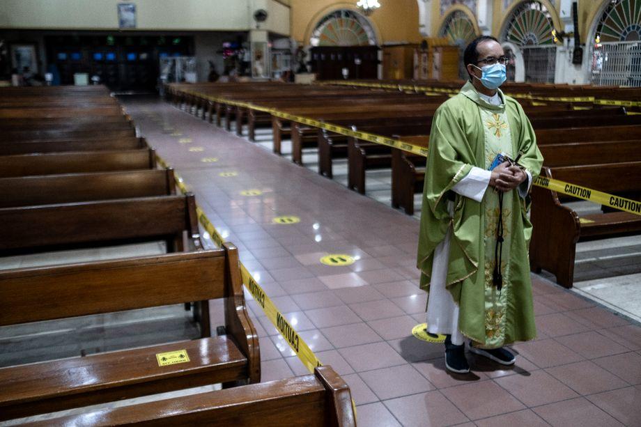 "Priester Eduardo Vasquez: ""Das Schlimmste steht uns noch bevor"""