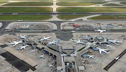 Flughafen Frankfurt: Berlin-Tegel sieht zwar anders aus - für eine kurze Schrecksekunde kann nach der Landung ein scheinbar orientierungsloser Pilot trotzdem sorgen
