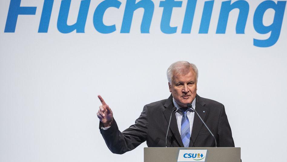 """Hort Seehofer in Erding: Krise ist """"Alarmsignal für die Politik"""""""