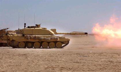 Basra: Ein britischer Panzer im Gefecht