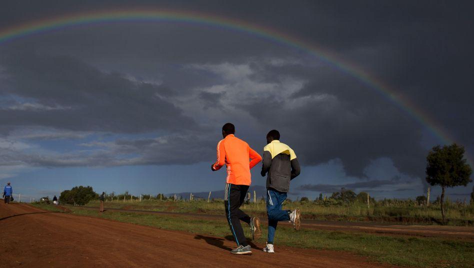 Emmanuel Sikuku und seine Geschichte: Das Geschäft mit den Marathonläufern aus Afrika