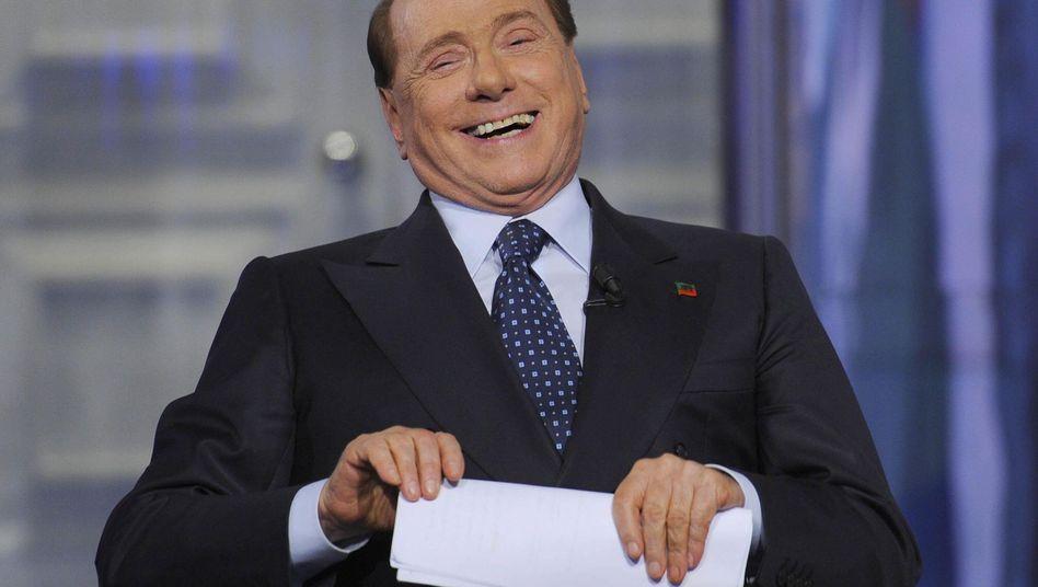 Unfreiwillig komisch: Verwirrter Berlusconi macht Werbung für politischen Gegner