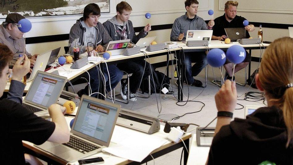 Sitzung der Berliner Piraten-Fraktion Frischer Wind in verstaubten Gängen