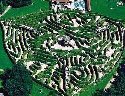 Verschnörkelte Gartenkunst: das Labyrinth Drielandenpunt