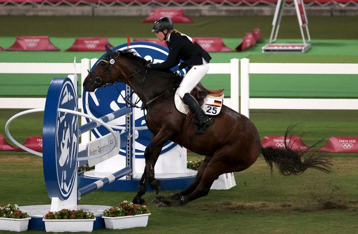Annika Schleus Pferd Saint Boy verweigerte den Sprung über einige Hindernisse