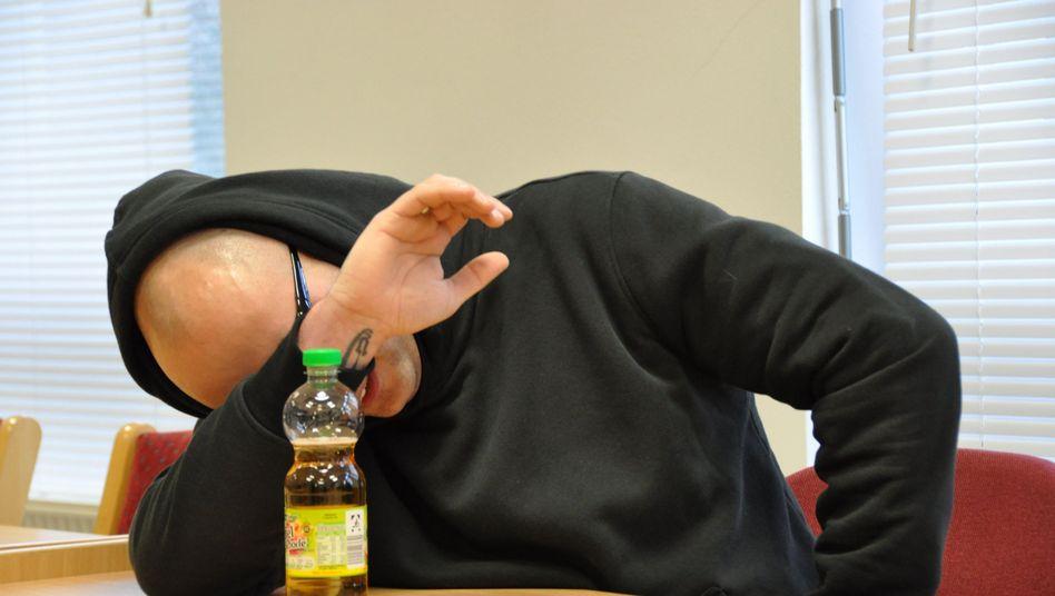 Mutmaßlicher Neonazi: Angeklagter im Prozess vor dem Amtsgericht Hoyerswerda