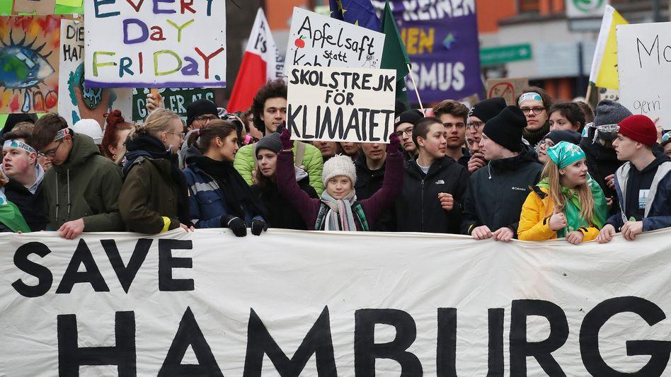 """Aktivistin Greta Thunberg bei der vorerst letzten großen """"Fridays for Future""""-Kundgebung in Deutschland (am 21. Februar in Hamburg)"""