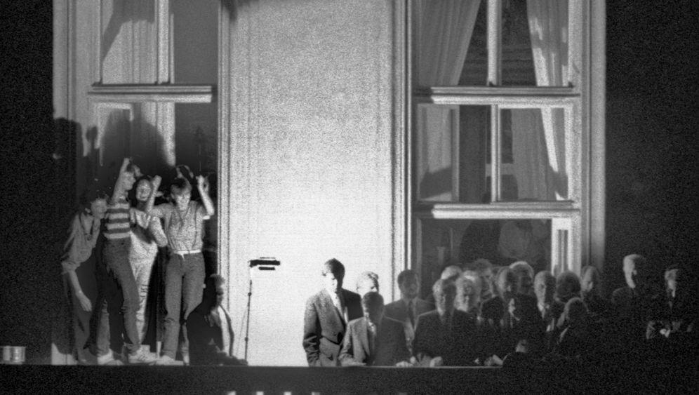 Hans-Dietrich Genscher: Keine Atempause, Geschichte wird gemacht
