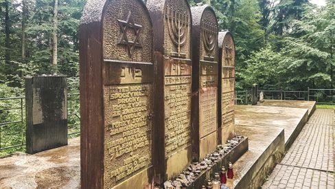 Grab in Polen: Massenmord im Zweiten Weltkrieg