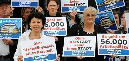 Protestierende Karstadt-Mitarbeiter: Hitzige Debatte um Staatshilfen