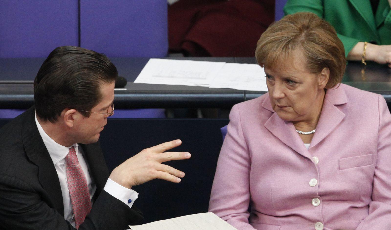 Bundestag / Guttenberg / Merkel
