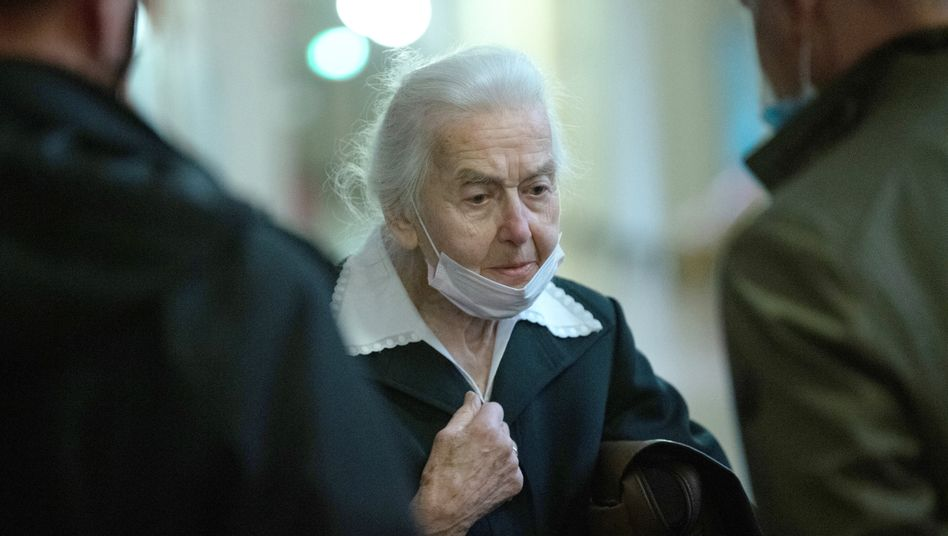 Ursula Haverbeck im Gericht (im November): schon wieder verurteilt