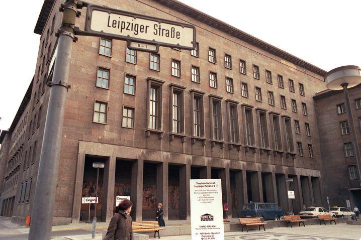Treuhandanstalt im ehemaligen Haus der Ministerien in der Leipziger Straße in Berlin (1991)