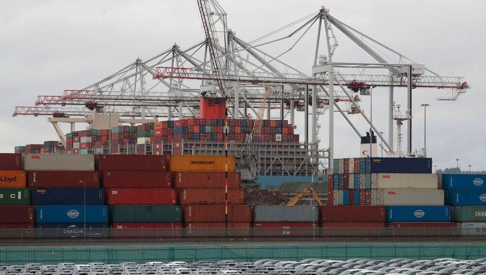 Containerstau im Hafen Southampton, am 10. Dezember 2020