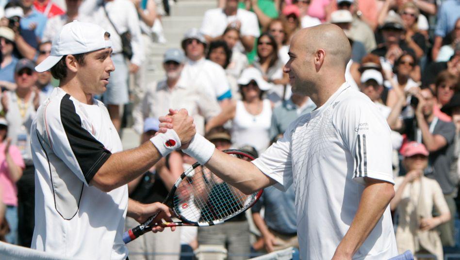 """Shakehands nach dem letzten Spiel: Becker sagte, er habe in diesem Moment """"unter Schock"""" gestanden"""