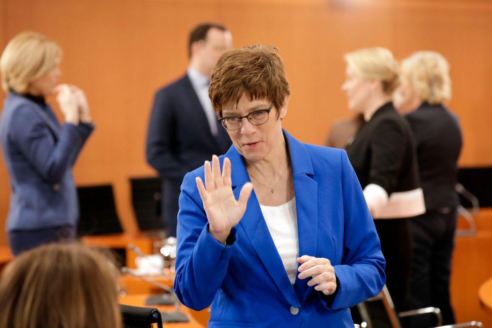 Annegret Kramp-Karrenbauer, Bundesministerin der Verteidigung, CDU, 93. Kabinettsitzung, DEU, Berlin, 22.04.2020
