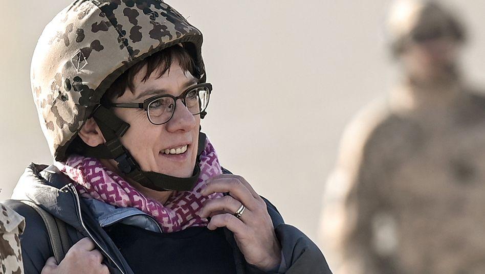 Annegret Kramp-Karrenbauer in Afghanistan (Archiv): »Tiefe Verpflichtung der Bundesrepublik«