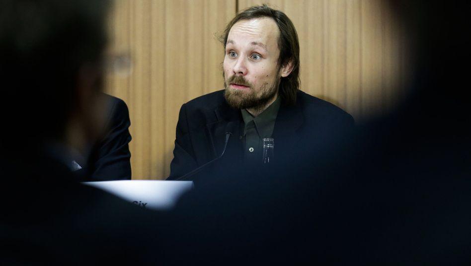 Billy Six im März 2013 bei einer Pressekonferenz in Berlin nach seiner Rückkehr aus Syrien
