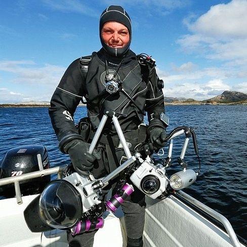 Tobias Friedrich, 39, macht sich bereit für den nächsten Tauchgang