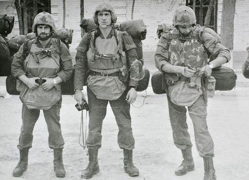 Michailow zu Beginn der achtziger Jahre vor einem Einsatz in Afghanistan.