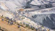 Aktivisten stürmen Tagebau