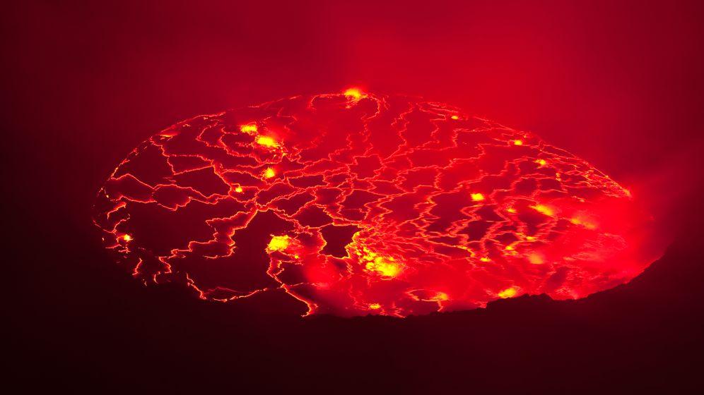 Anschwellender Lavasee: Vulkanalarm im Kongo