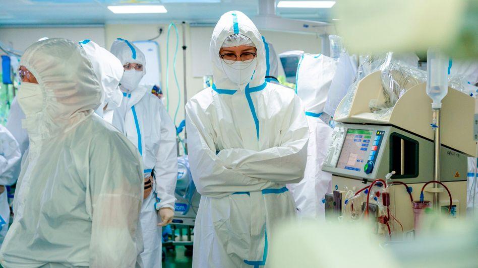 Medizinisches Personal in einem Krankenhaus in Moskau
