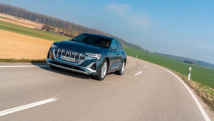 Audi e-tron Sportback: Feister Stromer mit fließendem Heck