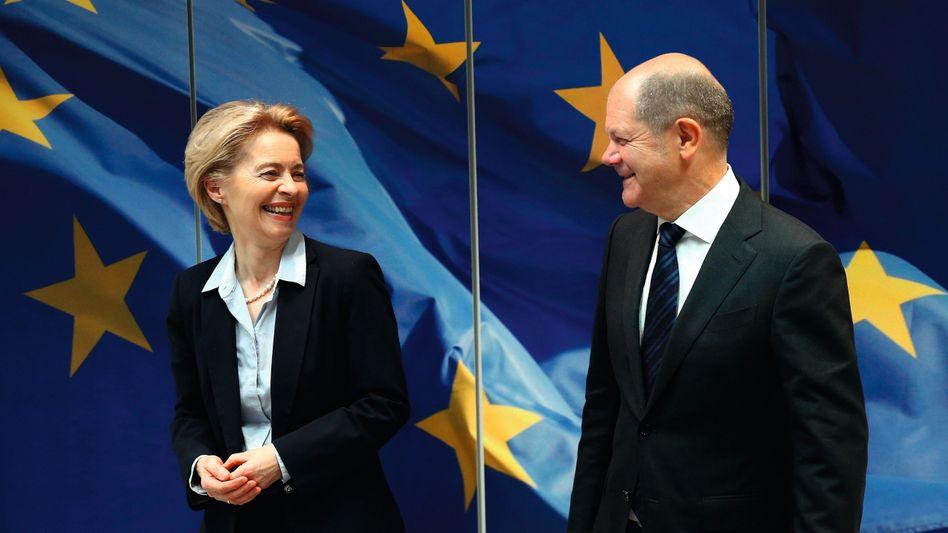 EU-Kommissionschefin von der Leyen, Bundesfinanzminister Scholz:Sondergipfel für EU-Budget bis 2027