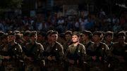 Ukrainische Soldatinnen sollen in Pumps marschieren
