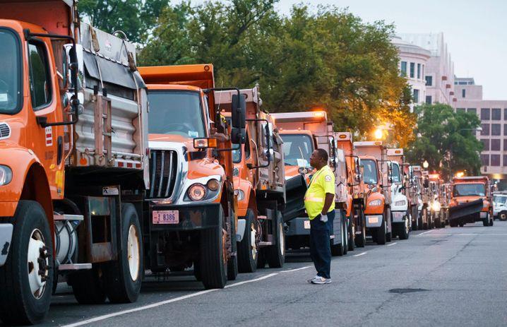 Müllautos wurden als Barriere platziert