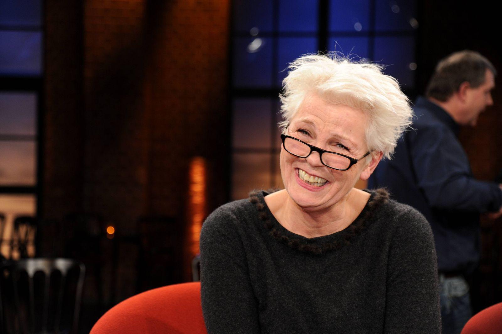 Die Kabarettistin Gerburg Jahnke zu Gast in der WDR Talkshow Kölner Treff am 27 01 2017 in Köln