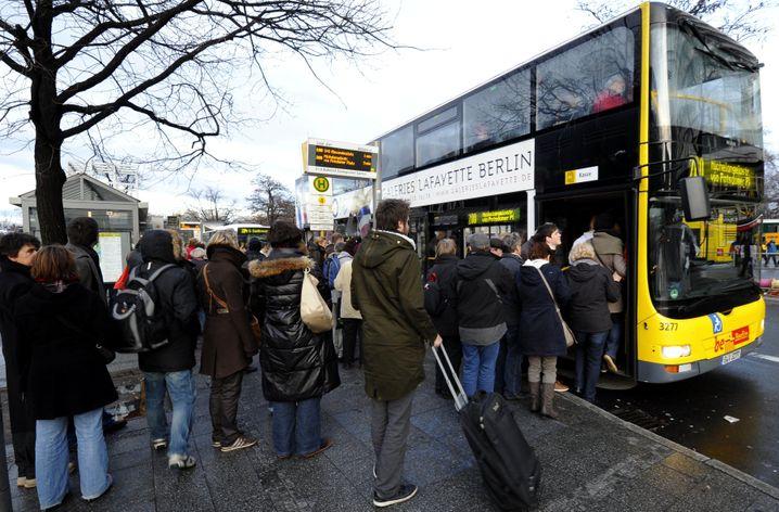 Berliner Nahverkehr: Rauswurf wegen Fälschungsverdacht