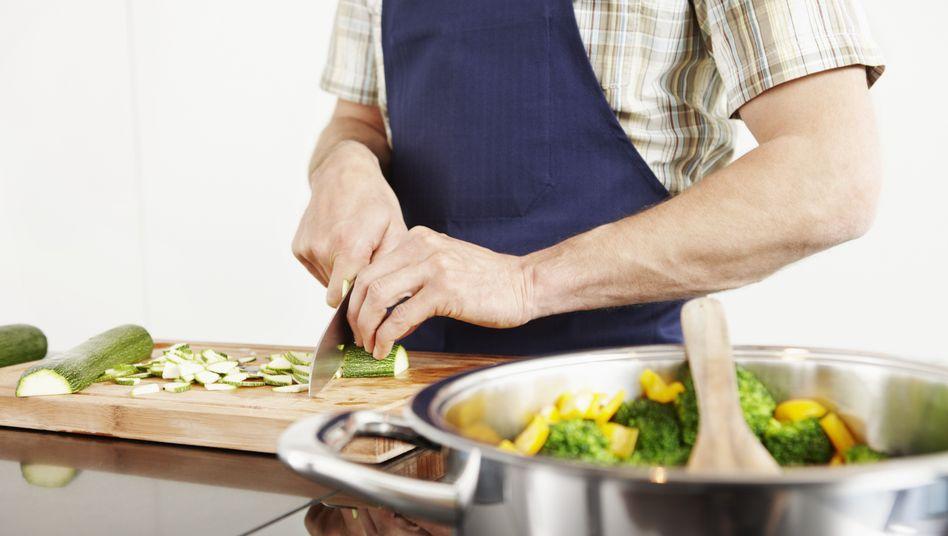 Gesund kochen: Schneidebretter sind häufig Brutstätten für Bakterien