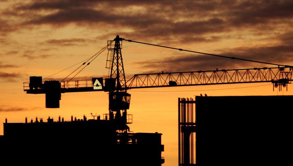 Hochtief-Kran: ACS plant Kapitalerhöhung