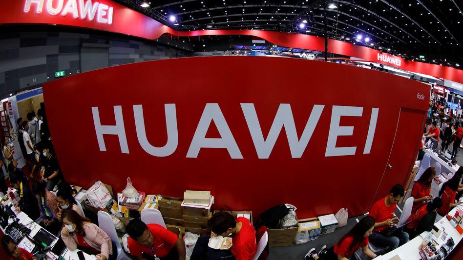 Messestand von Huawei: Google um die Sicherheit besorgt