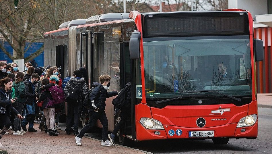 Schulkinder bei Kassel im Dezember: »Leider kaum etwas geschehen«