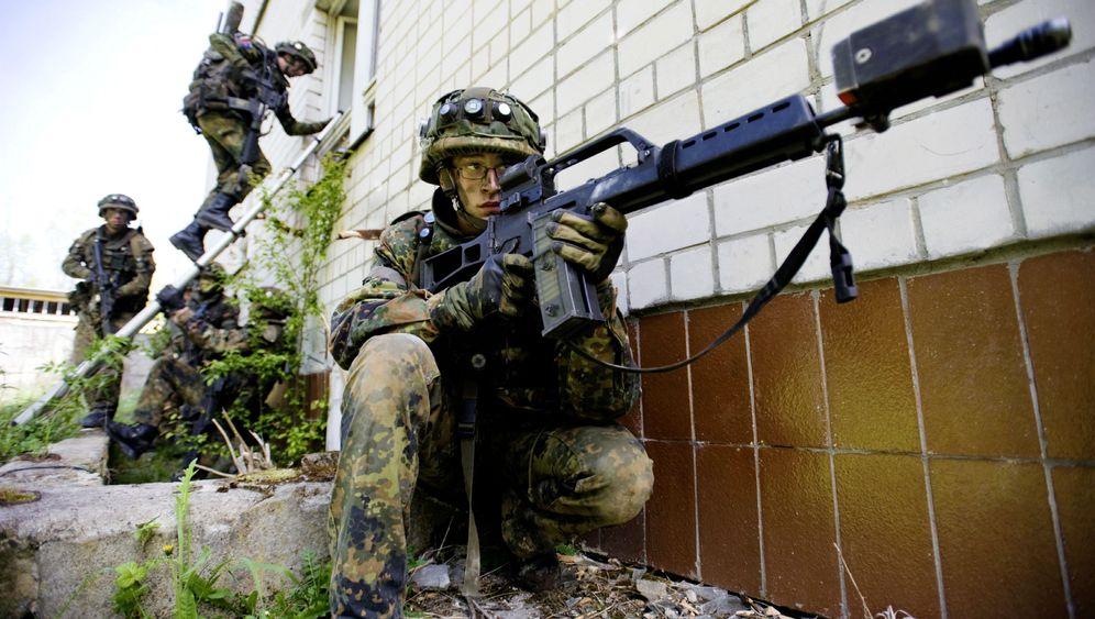 Rüstung: Munitionsfabrik im Zwielicht