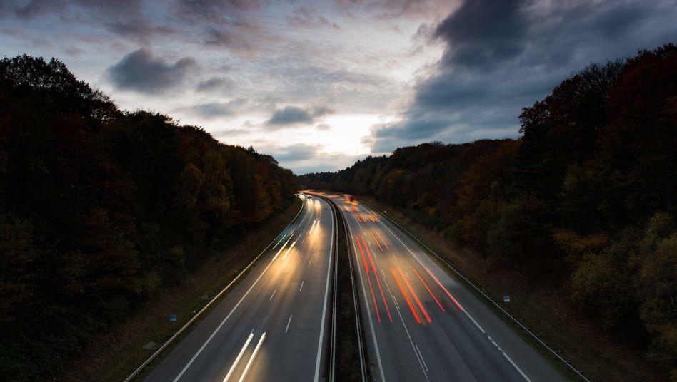 Autobahn A7 südlich von Hamburg: Welchen Effekt hat das Tempolimit auf Umwelt und Verkehrssicherheit?