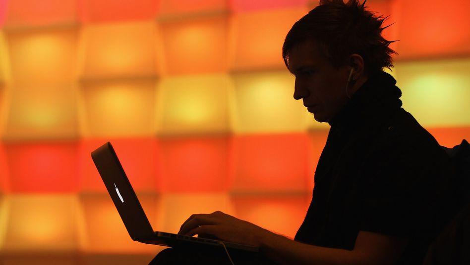 Computer-Nutzer (Symbolbild): Ohne technisches Fachwissen zur eigenen Homepage